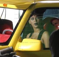 Lady GaGa   y Beyoncé grabando videoclip Telephone