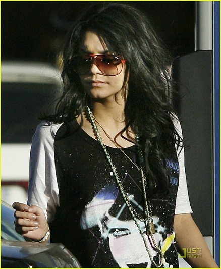 vanessa-hudgens-sees-the-light-01