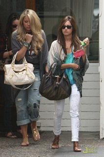 ashley-tisdale-samantha-droke-patys-04
