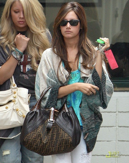 ashley-tisdale-samantha-droke-patys-15