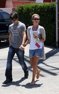 Jared Munillo, Ashley Tisdale