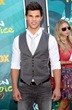 taylor-lautner-tca-awards-05