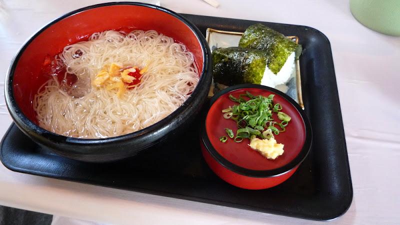 Somen, fideos de verano 夏の麺:そうめん