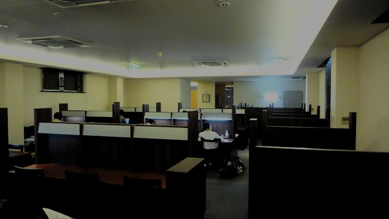 天神シティライブラリー Tenjin City Library