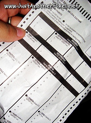 Sample ballot given away for Erap's whole ticket