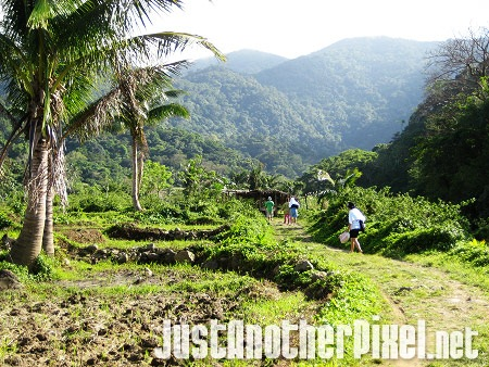 On our way to Kabigan falls - JustAnotherPixel.net