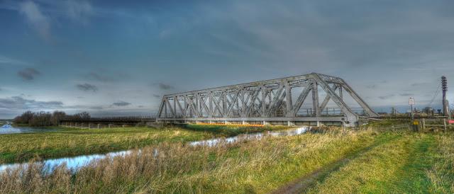 Railway Bridge alongside Wash Road near Welney Reserve.jpg