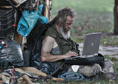 homeless-man-goes-wireless