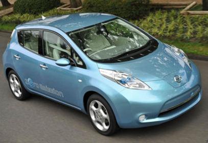 mobil_listrik_nissan_leaf
