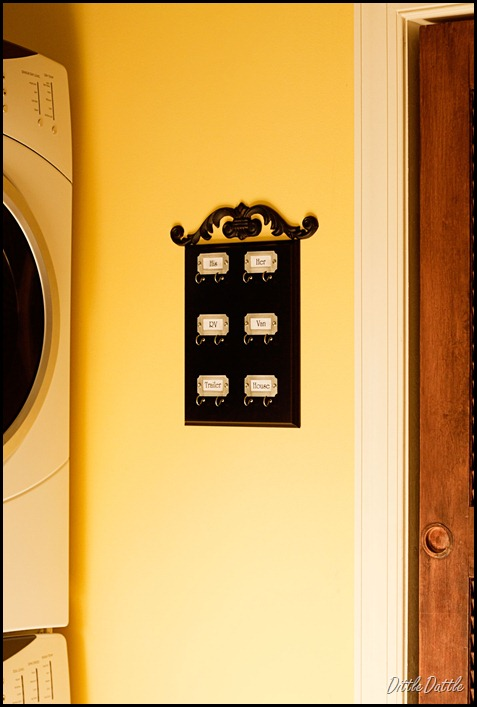 Key-Holder-in-the-Laundry-Room