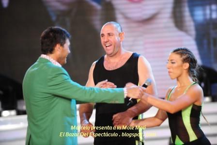 Marcelo presenta a la Mole Moli.JPG