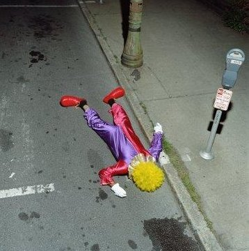 Dead Clown Seen On  www.coolpicturegallery.us