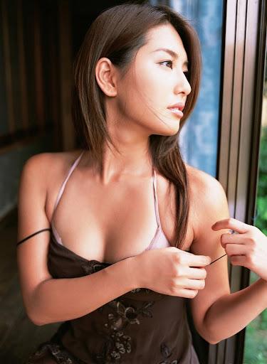 Haruna Yabuki 矢吹春奈 Lingerie photoshoot 阿部真里.jpg