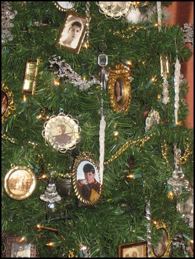tree 1 ornaments