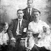 Jozef Pitlivka a Andrej Hvozda s rodinou v USA - r. 1920