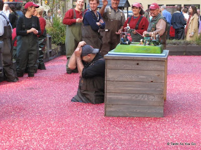 Duff-Goldman-Ocean-Spray-Cranberry-Bog-tasteasyougo.com