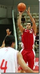 伊朗巴赫拉米(右)
