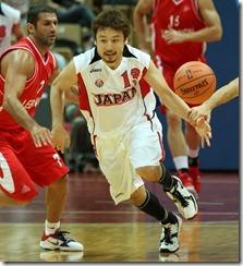 日本隊田臥勇太(右)
