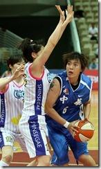 中華隊姜鳳君(右)