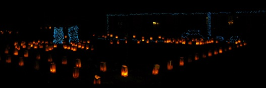 luminarias with blue