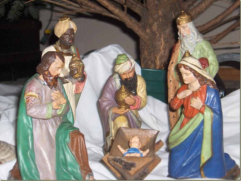 ChristmasandTreeTriming 189