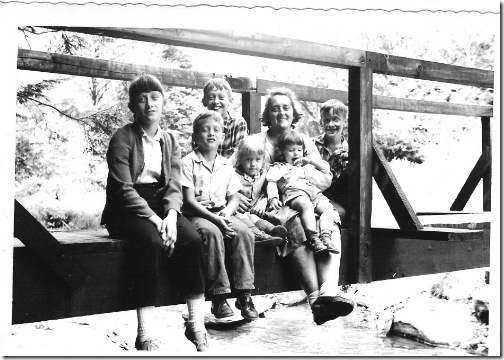 Gerda SCHRIDDE Dowd with Dowd Children 1961