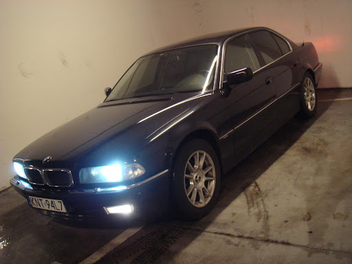 Dominik - BMW 740I E38 .