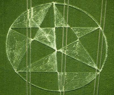 13-East-Field-Wiltshire-20-06-00-Barley-35mm