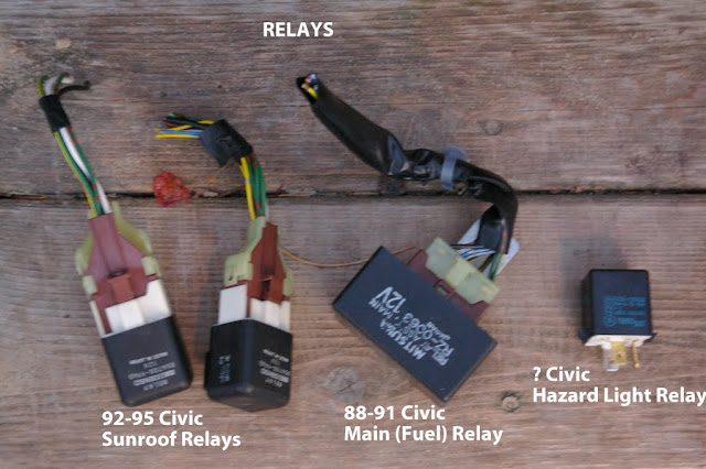 93 Mustang Instrument Cluster Wiring Diagram in addition 921387 Fuse Identification Help additionally Saab 9000 Wiring Diagram additionally Ford E Series furthermore 2000 Ford F550 Tail Light Wiring Diagram. on 1992 ford f 150 fuse box diagram