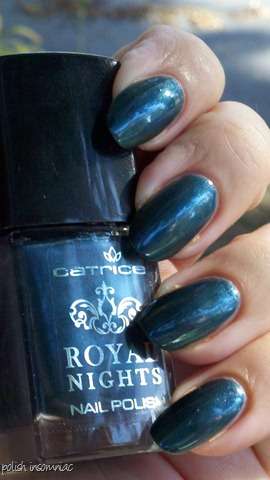 Catrice Royal Petrol 3