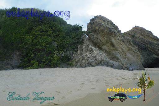 Playa La Cueva V025 (Urama) Estado Vargas, Entre las mejores playas de Venezuela
