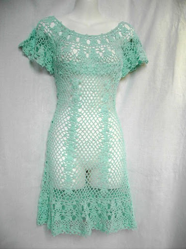 فستان كروشية من المنتدى الروسي.فستان كروشية مع الطريقة.فستان كروشية يناسب جميع لاعمار