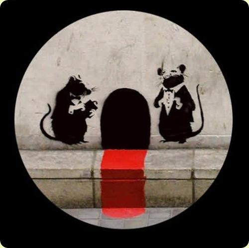 amazingurbanartgraffiti28 thumb - Amazing Graffiti Art by Banksy