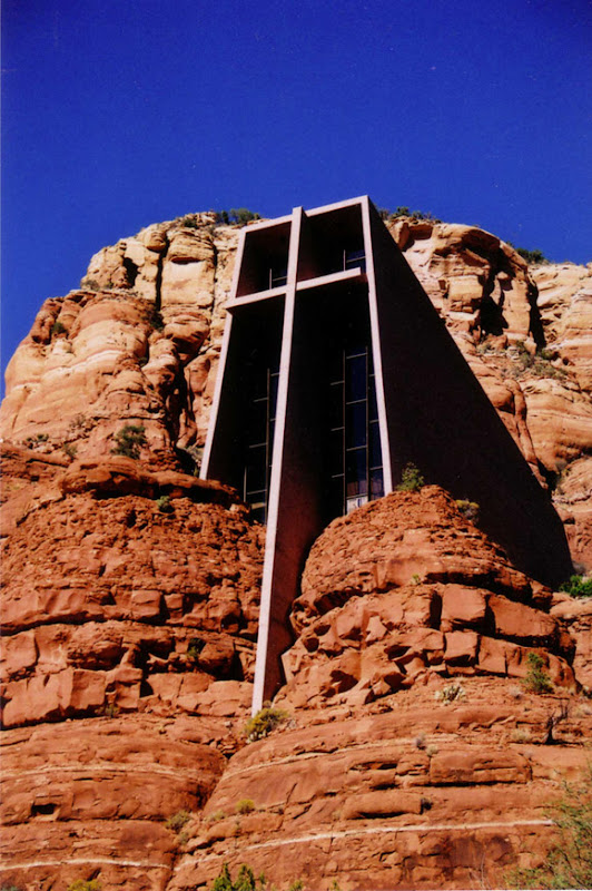 20-Unusual-Churches-PII-chapel-in-the-rock