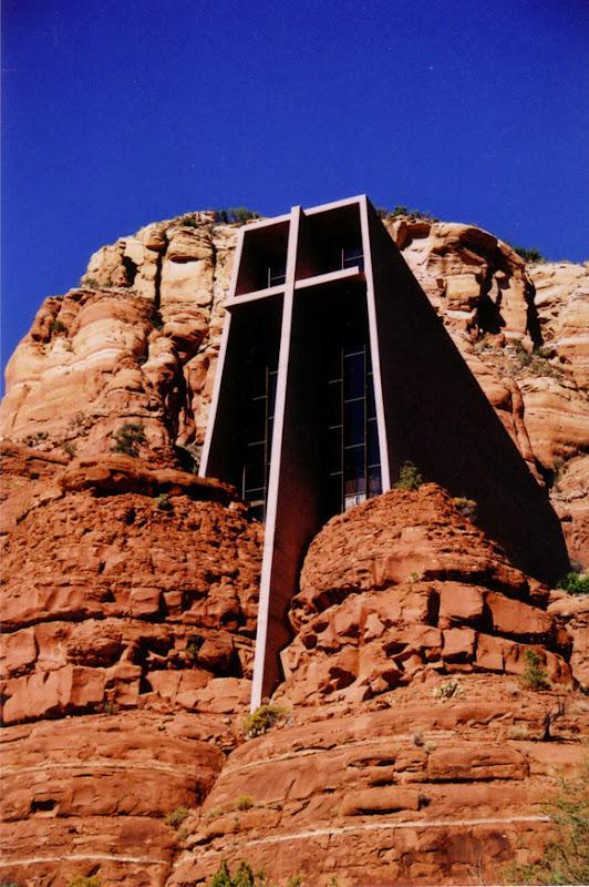Najlepše crkve i katedrale  20-Unusual-Churches-PII-chapel-in-the-rock