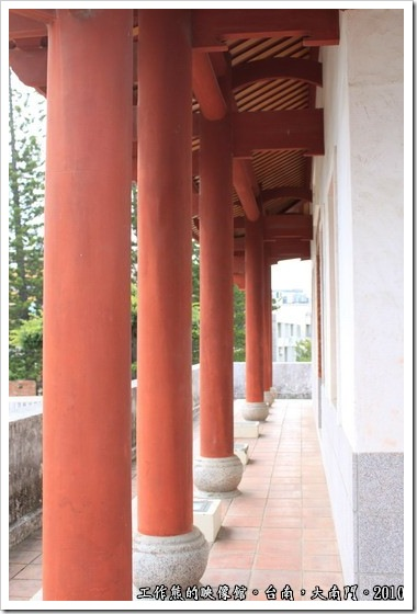 Tainan-South-Door06