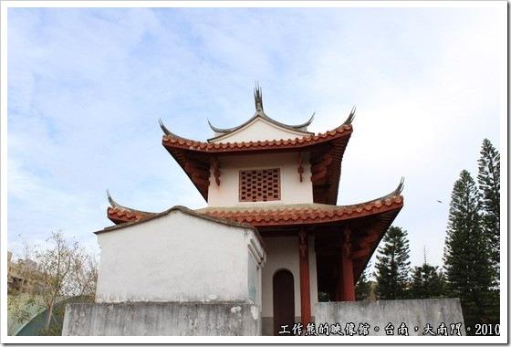 Tainan-South-Door09