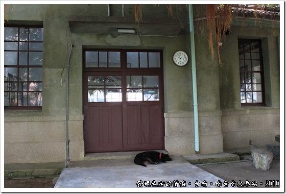 South_Tainan_Train_Station08