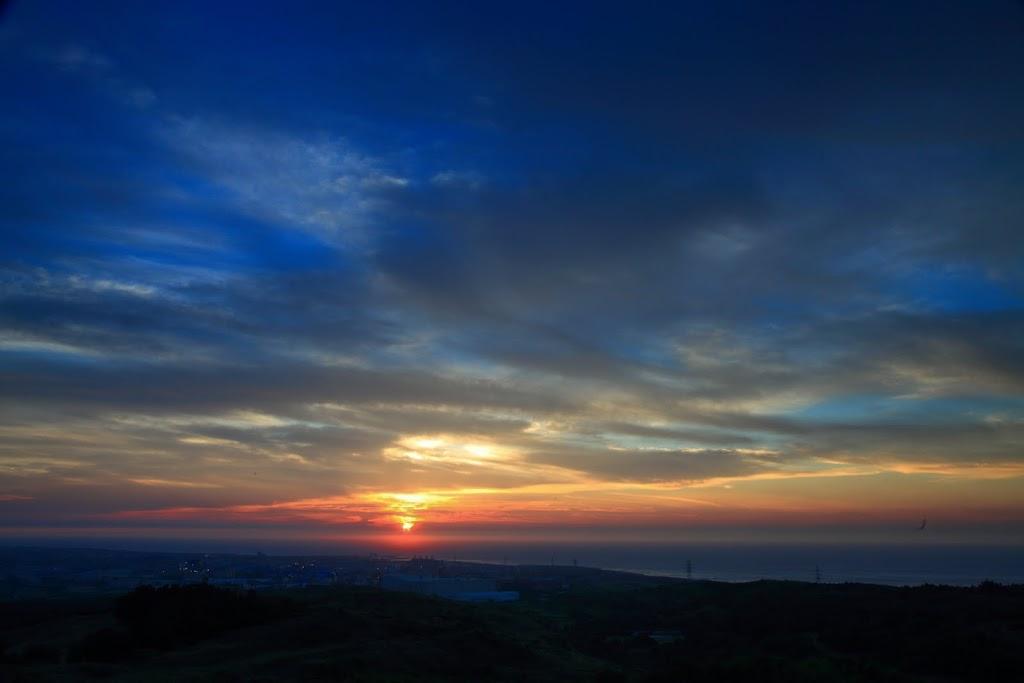 日出和平落大古