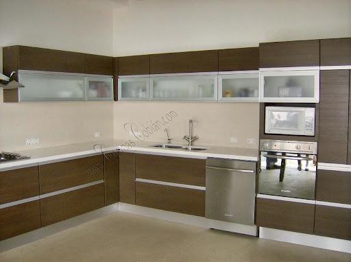 Interiores en pvc blanco for Cocinas integrales esquineras