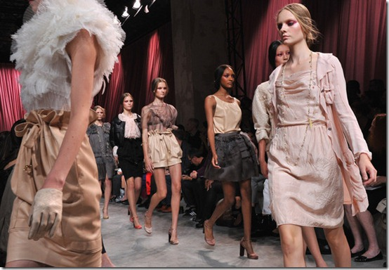 Nina Ricci Runway Paris Fashion Week Spring2011