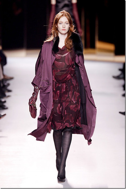 Nina-ricci-FALL-2011-RTW-podium-005_runway