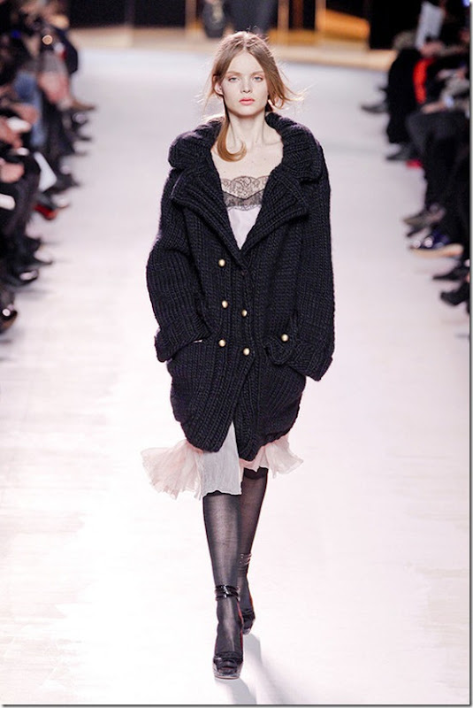 Nina-ricci-FALL-2011-RTW-podium-019_runway