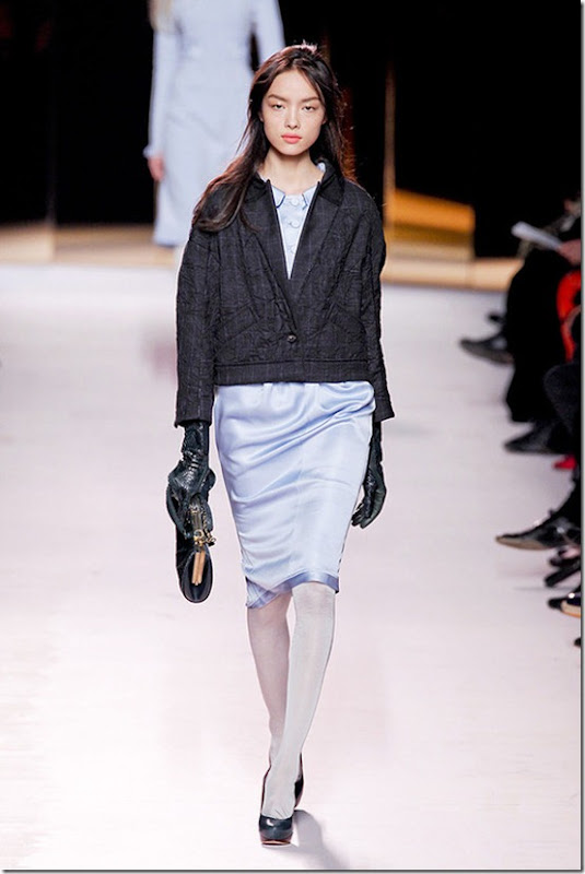 Nina-ricci-FALL-2011-RTW-podium-031_runway