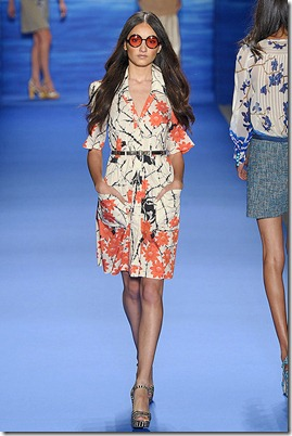 TRACY-REESE-SPRING-2011-RTW-PODIUM-009_runway