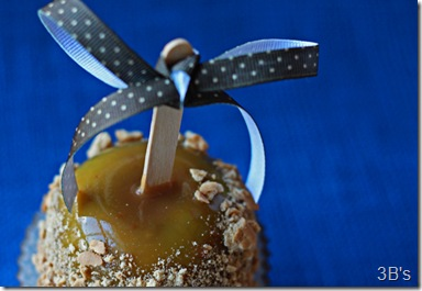 apple-pie-caramel-apples