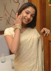 tamil-actress-maya-unni-in-saree-stills_actressinsareephotos_blogspot_com_29