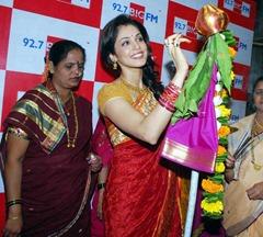 Isha-Koppikar-in-Saree-6