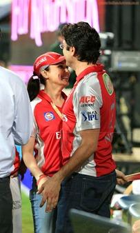 Katrina-Kaif-Preity-Zinta-at-IPL-7