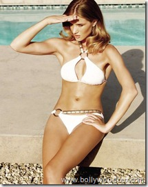 Beach Bunny  Rosie Huntington Whiteley (4)